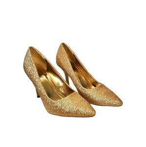 3/25$ Bonnibel Sparkly Gold Glitter Heels!
